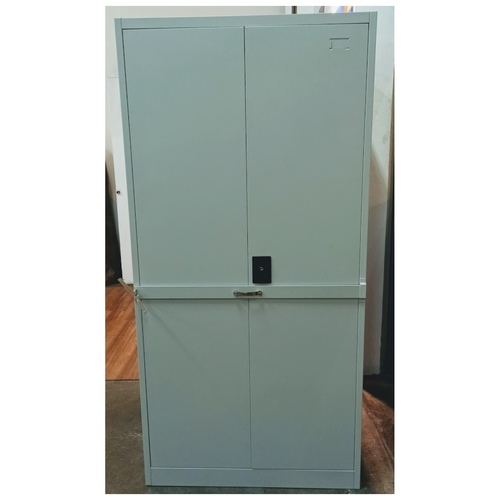 UW-18 Full Height Swing Door Steel Cabinet with Additional Bar