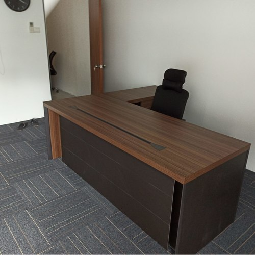 Crown 2.0m Director Table Set (L or R)