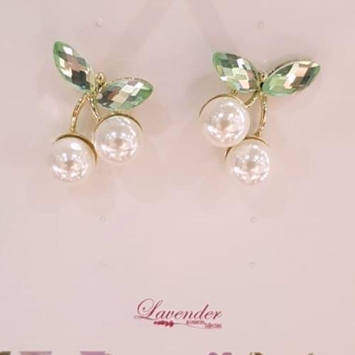 cherry pearl earring