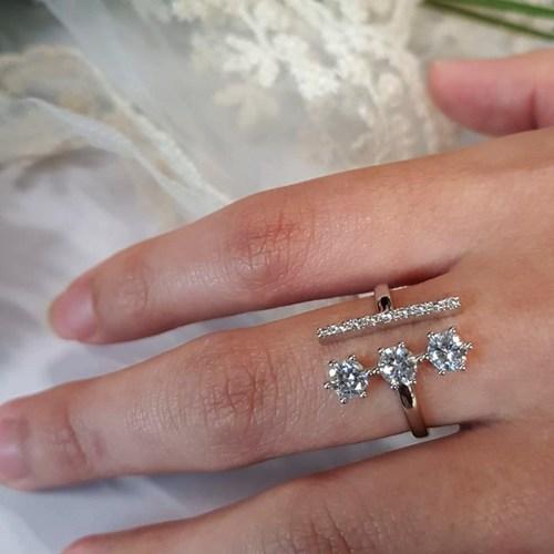3 Diamond Gold Ring