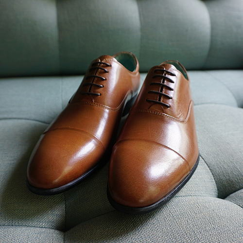 Classic Oxfords in Tan