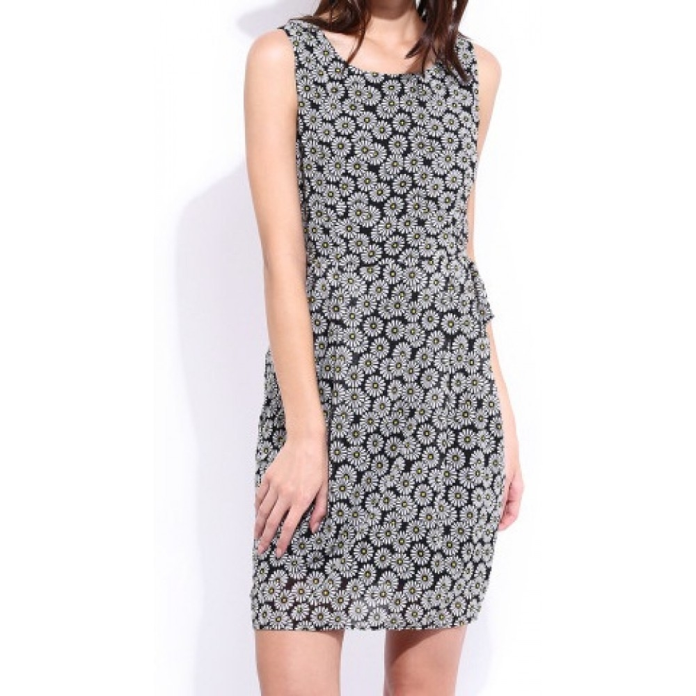 Lafacon-black--white-printed-shaper-berry-dress