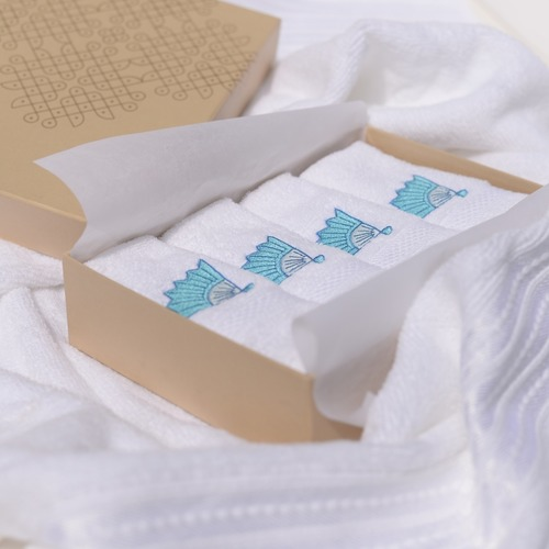 EMBROIDERED FACE TOWELS GIFT BOX SET OF 4