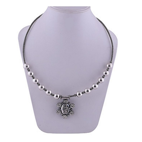 The Ekdant Silver Necklace