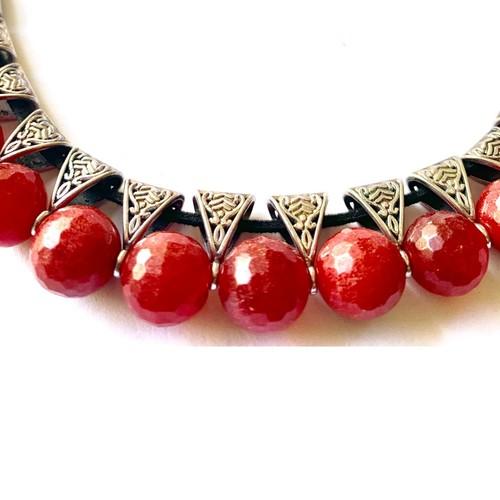Cherry red Jade Uplifter