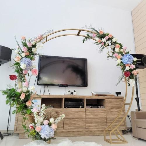 Wedding Arch | Circle of Love