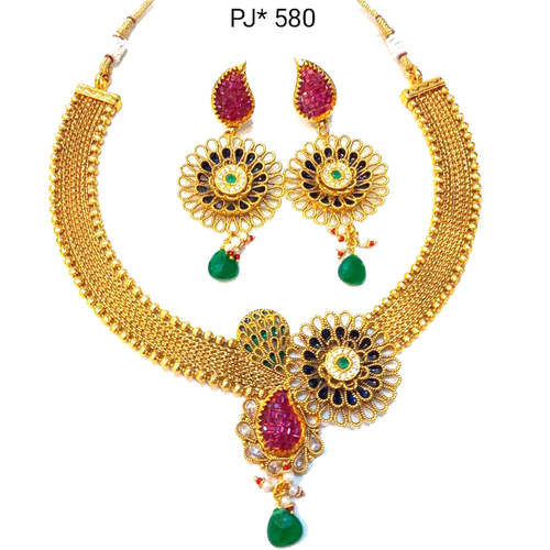 Golden Polki Necklace Set