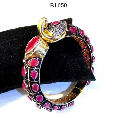 Cubic Zirconia Bracelet ( Openable )