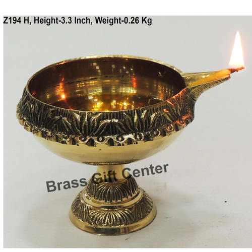 Brass Kuber Deepak Diya With Stand No. 6 - 4.5*3.8*3.3 Inch  (Z194 H)