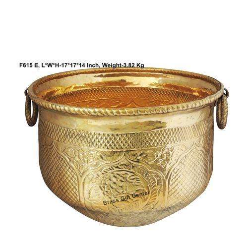Brass planter Pot Gamala Chatai Diameter 17 Inch weight 3.85 Kg  F615 E