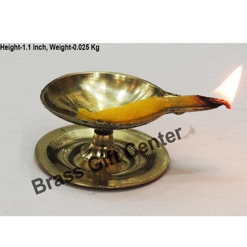 Brass Pandeep plate Diya Deepak - 2.6*2*1.1 inch  (Z146 C)