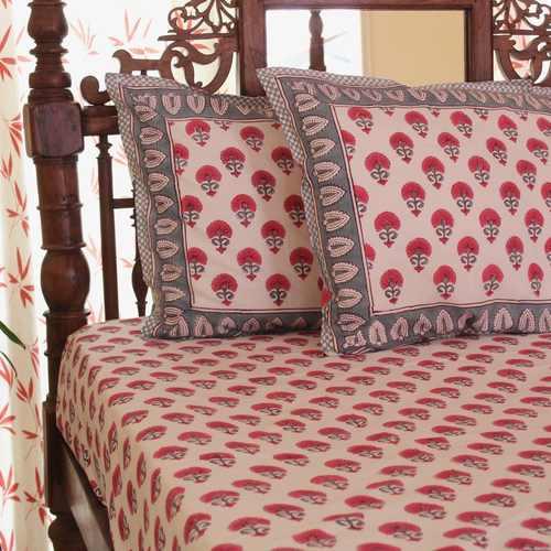 Fuchsia Flora Bedsheet Set