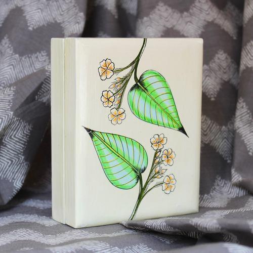 Leafy Floral Pin Box - Big