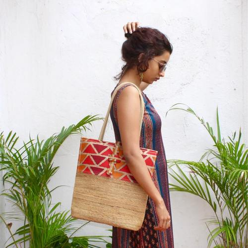 Hold All In Banana Fibre And Red Triangular Print