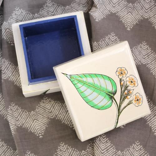 Leafy Floral Pin Box