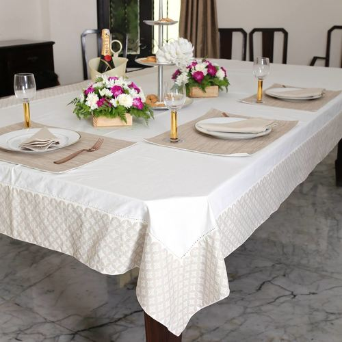 White With Printed Border Table Cloth