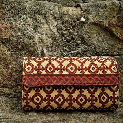 Mayili Red Hard Clutch