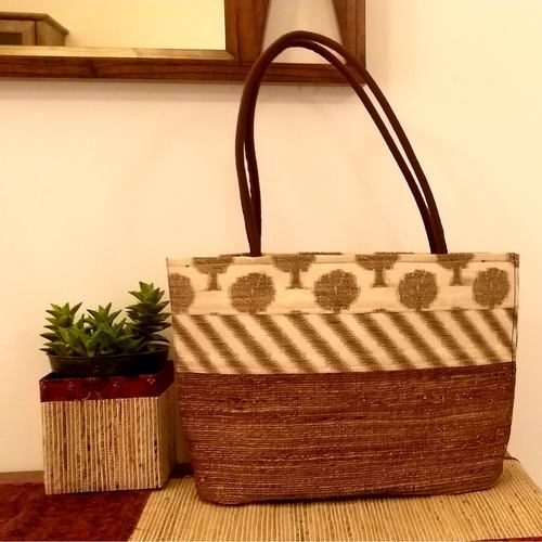 White & Gold Banana Fibre Tote