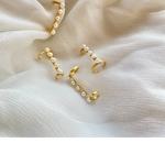 Pearl Earcuffs A pair