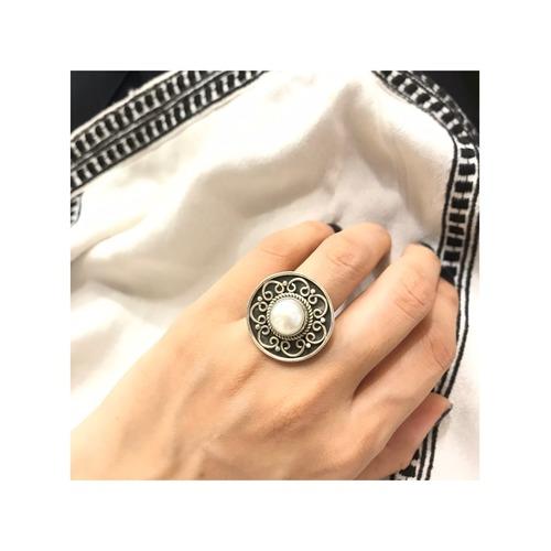 Noor Pearl Ring
