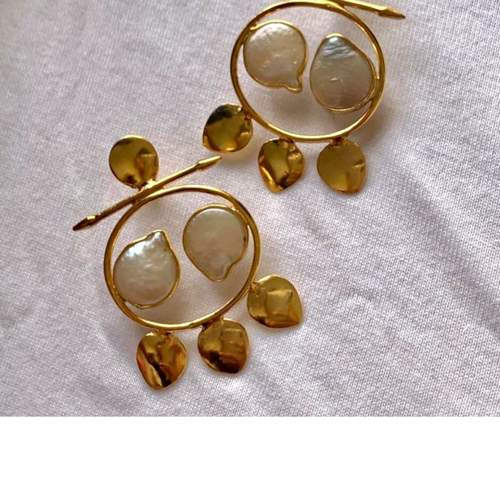 Leave uneven pear earrings