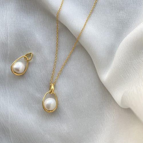 Noor neckpiece