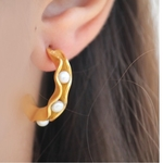 Thic pearl Hoops