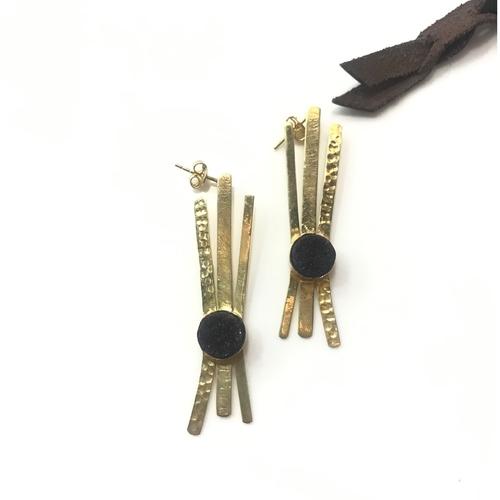 White/Black Agate Earring