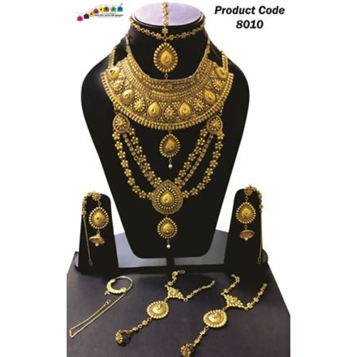 Beautifully Designed Golden colored Combo Necklace set !