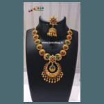 Diwali Collection - Eye pleasing Golden Necklace Set!