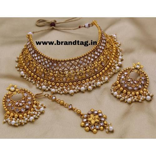 BrandTag's Uniquely designed Necklace set from its Pratichi Collection !