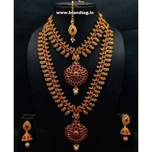 BrandTag's Golden Kadambari Necklace set !