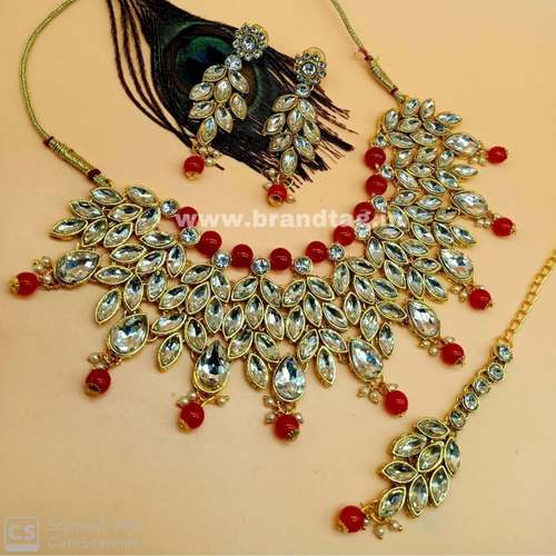 BrandTag's Beautifully designed Hansika Necklace set for women !