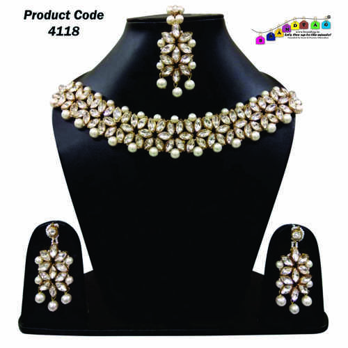 BrandTag's Chiky Necklace set  with Mangtika !