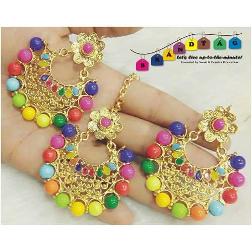 Stunning Multicolour Mangtikka + Earring Combo!