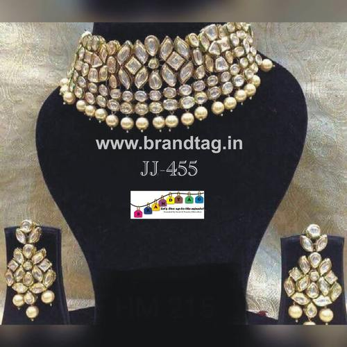 Royal elegant  Kundan  Neck-fitted modern necklace set...!!!