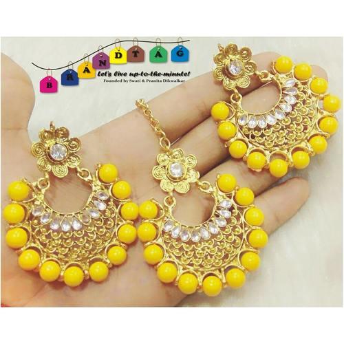 Beautiful Yellow & Golden Mangtikka + Earring Combo!