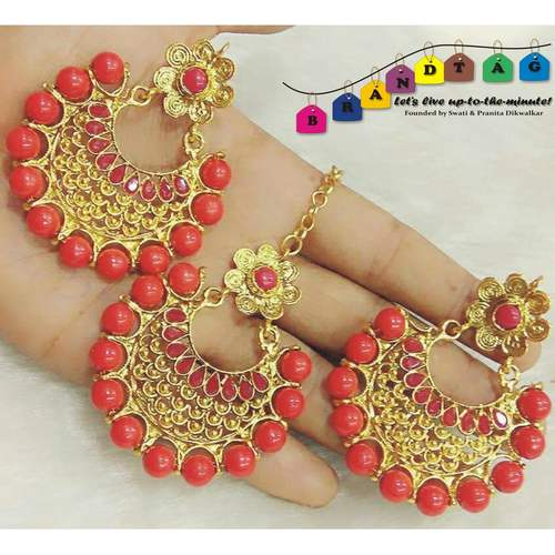 Vibrant Red & Golden Mangtikka + Earring Combo!