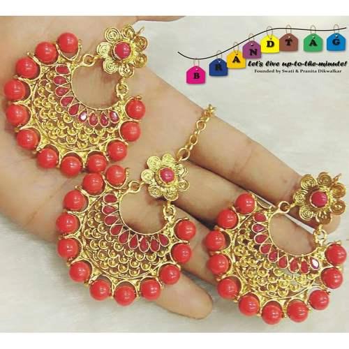 Vibrant Red & Golden Mangtikka + Earring Combo!