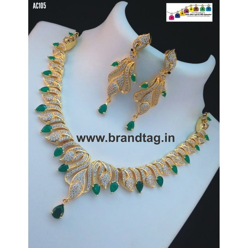 Marvelous Diamond Necklace set !