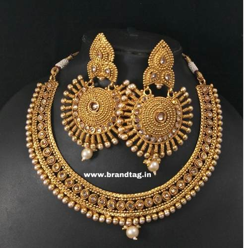 BrandTag's Anushka Necklace set !