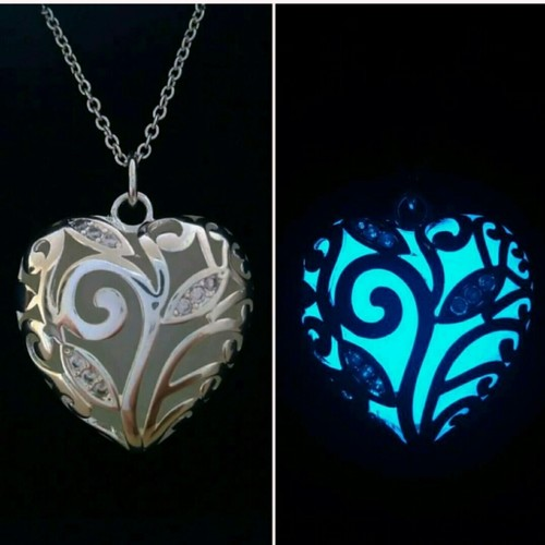 Glowing Pendant with Chain
