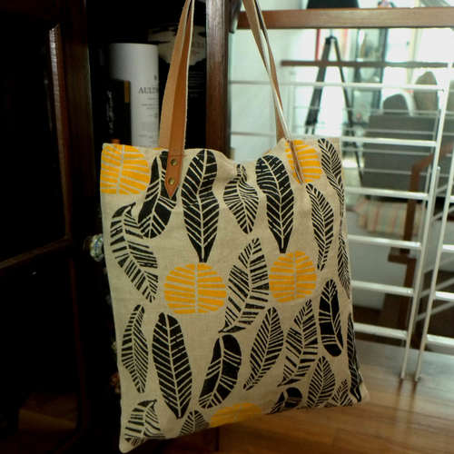 LEAF DESIGN TOTE BAG