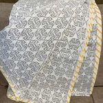 Grey Geometric design Dohar
