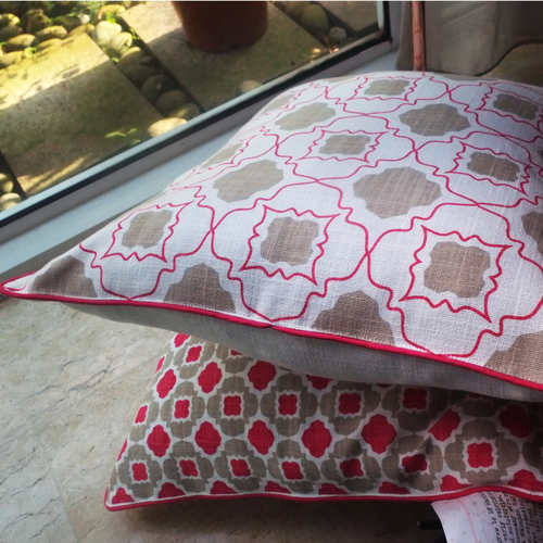 PINK AND BEIGE JAALI CUSHION COVER (16inches*16inches)