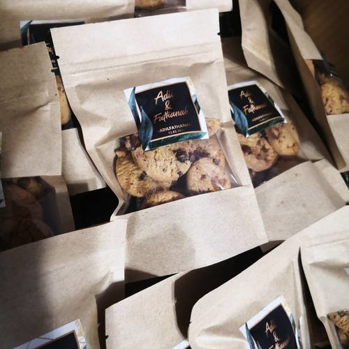 Kraft bag + Customized Sticker + Mini Choc Chip cookies