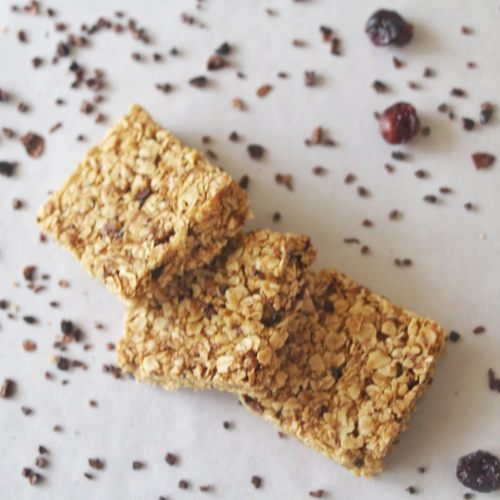 Cacao Nibs & Cranberry Granola Bars [Eggless]