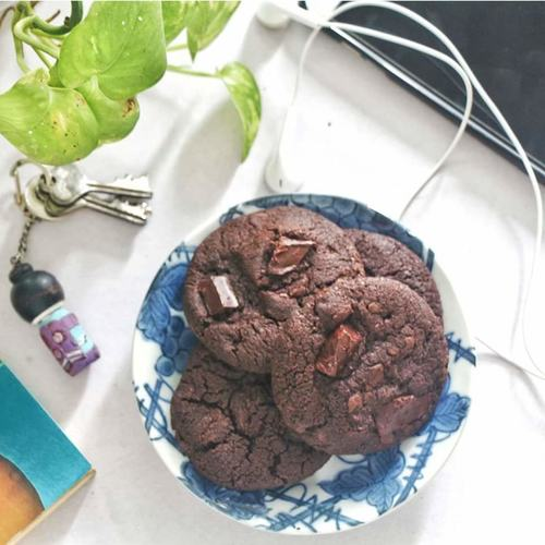 Double Choco Chunk Cookies [Eggless]