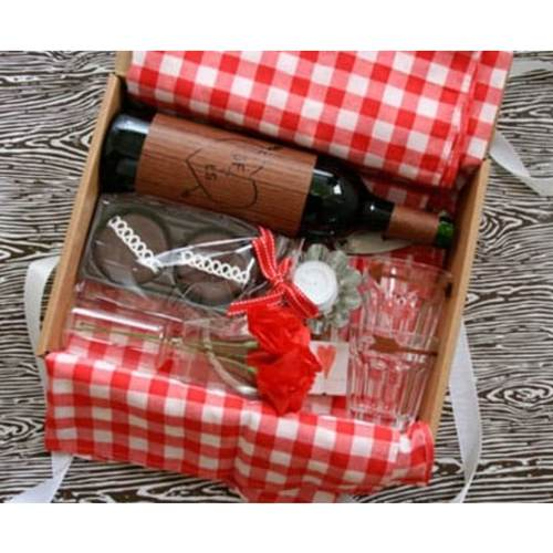Wine & Glasses Hamper Box