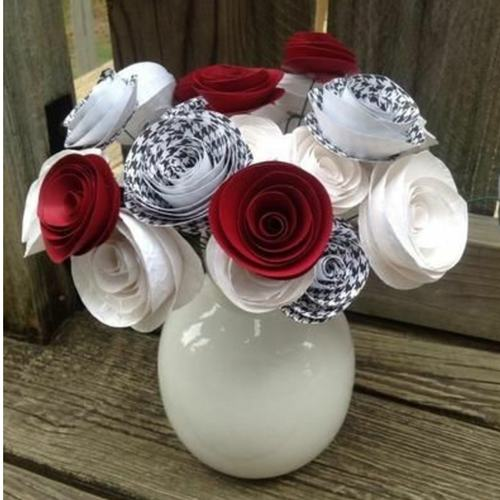 Red & White Quilled Flowers Pot